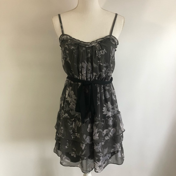 American Eagle Outfitters Dresses & Skirts - American Eagle Gray Floral Dress Sz 6
